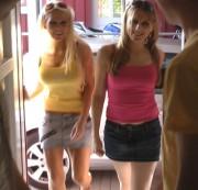 Die 2 DORFNUTTEN SpermaGeil als TresenSchlampen von sandy226 » Video jetzt ansehen - hier klicken!